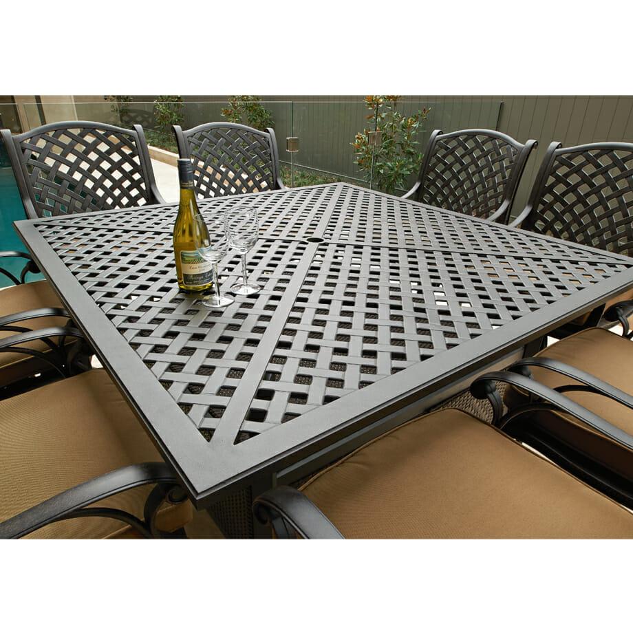 Melton Craft Nassau-Bar Table