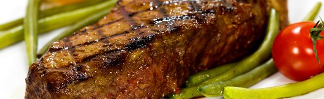 Cooking-Steak-Weber-Q-BBQ