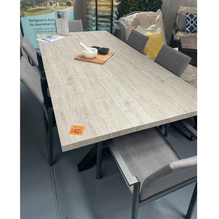 Melton Craft Oxford Table and 6 Bronte Chairs - Ex-Display