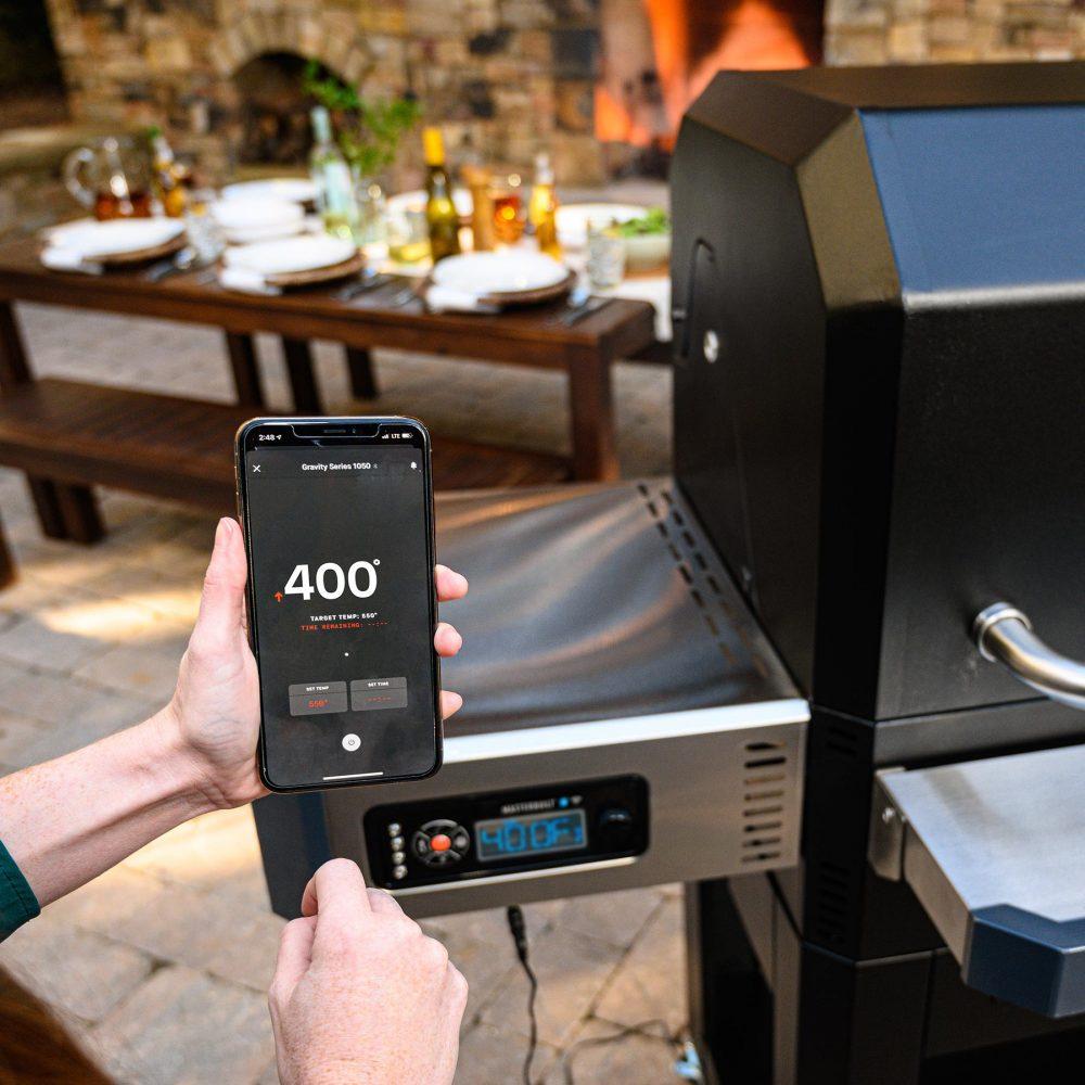 MasterBuilt Gravity Series 1050 Digital Charcoal Grill and Smoker